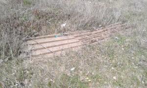 Rifiuti di amianto abbandonati nelle vicinanze dell'area dell'ex Liquichimica